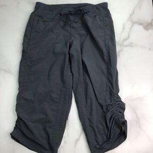 Zella Ruched Capri Pant 8 Gray 0896